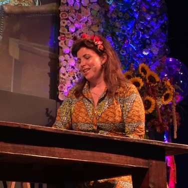 I've got a bit of a girl crush. @handmadefair @kirstiemallsopp talking to the crafts council.